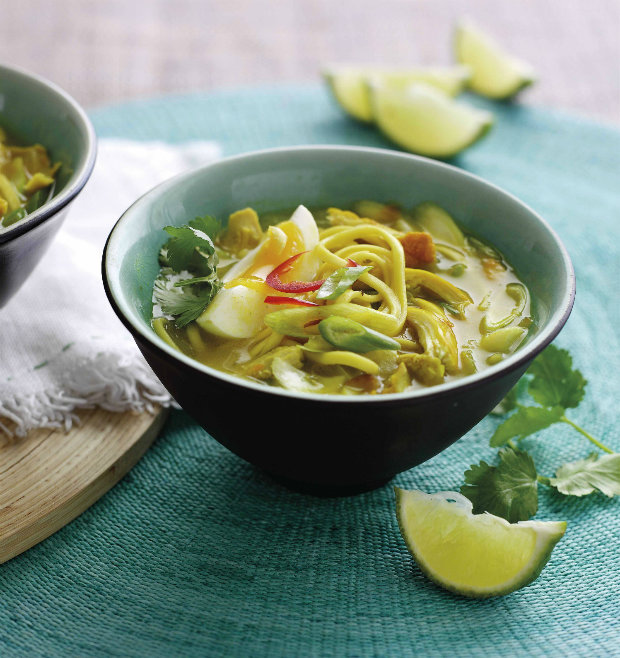 Barmské curry nudle s kuřetem Foto: isifa.com