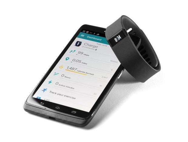 Fitness tracker a aplikace v telefonu Foto: