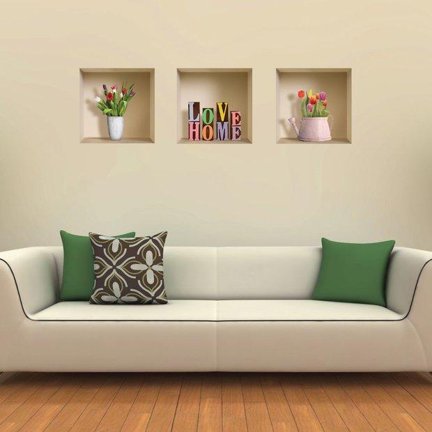 Dokonalá imitace výklenků s vázami a dekoracemi. Ošálí zrak a vypadá opravdu krásně. Foto: