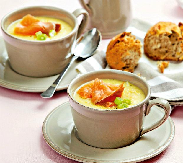 Květáková polévka s lososem  Foto: Od pondělí do pátku