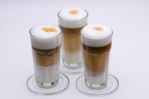 Správně připravené Latte Macchiato má tři opticky oddělené vrstvy Foto: Thinkstock