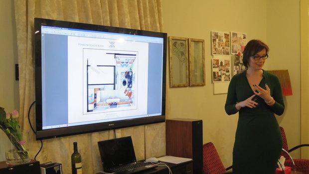 Kateřina prezentuje vítězný návrh Foto: