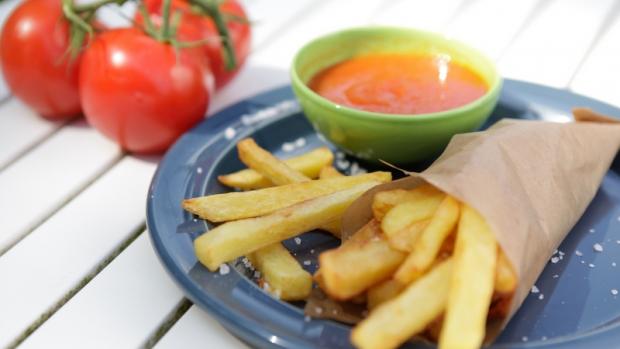 Domácí hranolky a pravý kečup