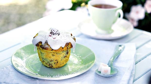 Muffiny smangem, malinami, polentou a ořechy