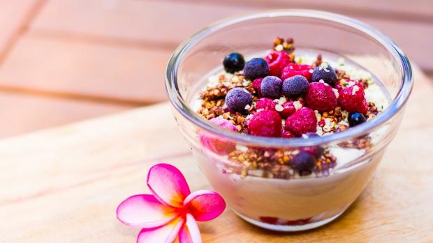 Raw vanilkový jogurt sovocem