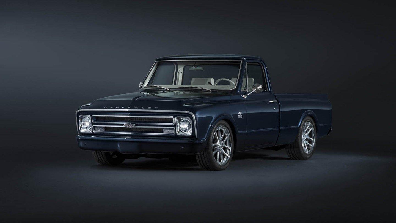 Chevrolet C-10 z roku 1967 zrestaurovala samotná automobilka.