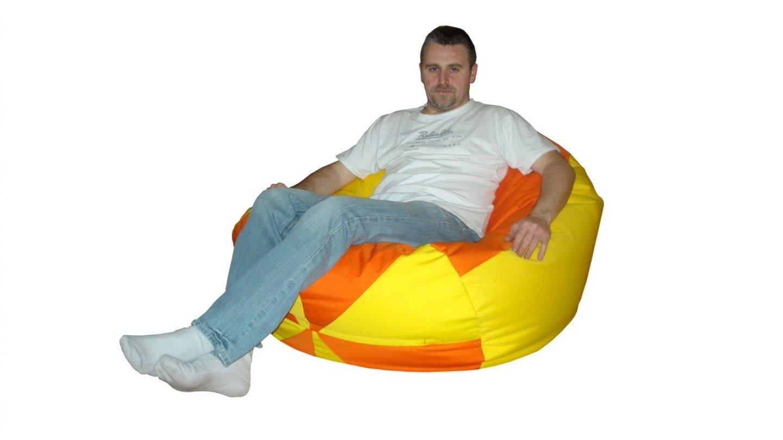 na velkém sedacím vaku se pohodlní usadí i dospělák. FOTO: nejlevnejsi-sedaci-vaky.cz