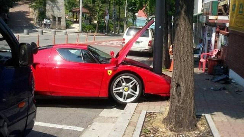 Ferrari ve sloupu 1