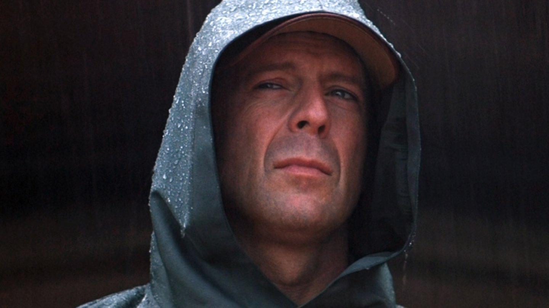 10) Vyvolený (2000) – Famózní drama, v němž Bruce Willis zjistí, že je vlastně superhrdina…