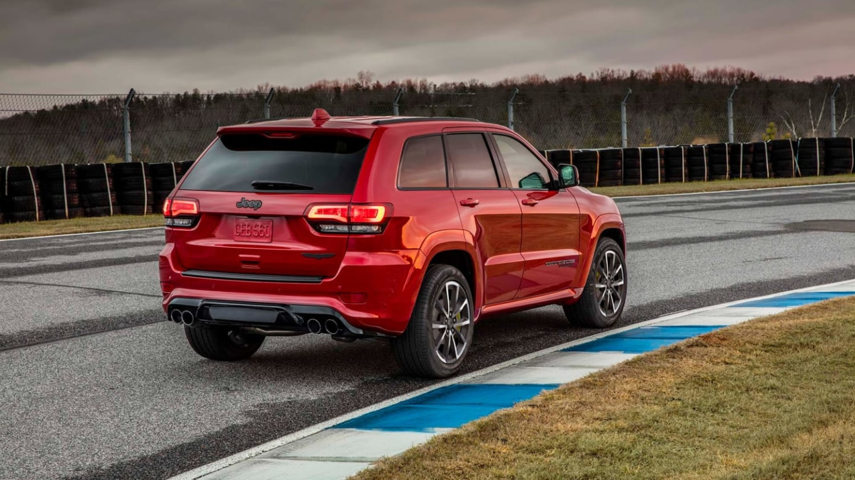 Jeep Grand Cherokee SRT zvládá stovku za 4,9 sekundy.