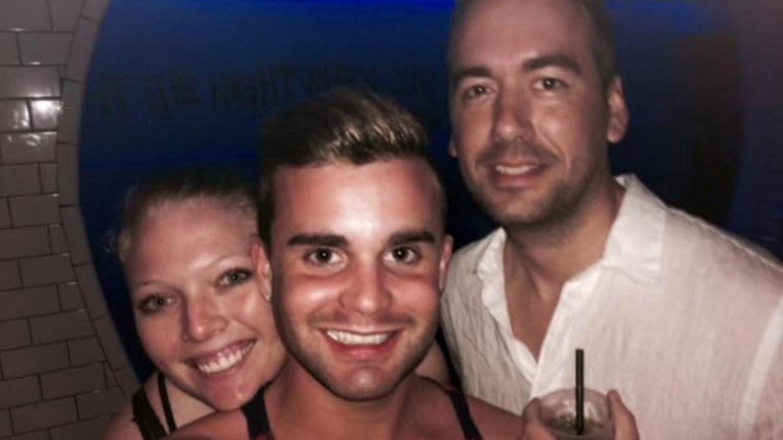 Chris Brandt, jeho manžel Matt a Cait Earnestová