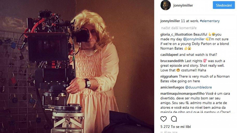 Johnny zaznamenal pracovní oděv kameranama