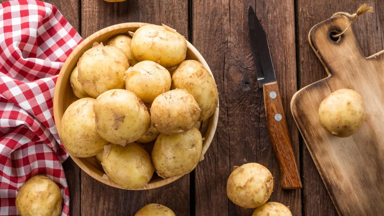 На какие детали сна нужно обратить внимание, если снится сырая или крупная картошка?