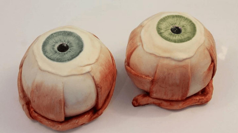 Zdravotní sestra vytváří děsivé dorty 1
