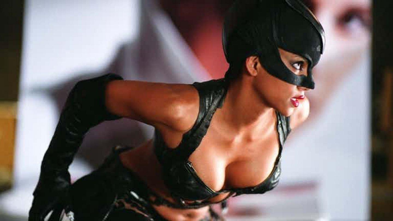 9) Halle Berry jako Catwoman obecně (Catwoman)