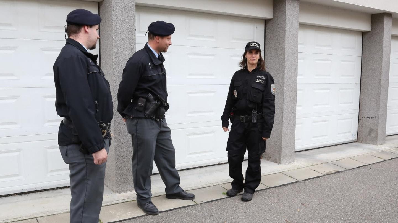 Policie před radnicí