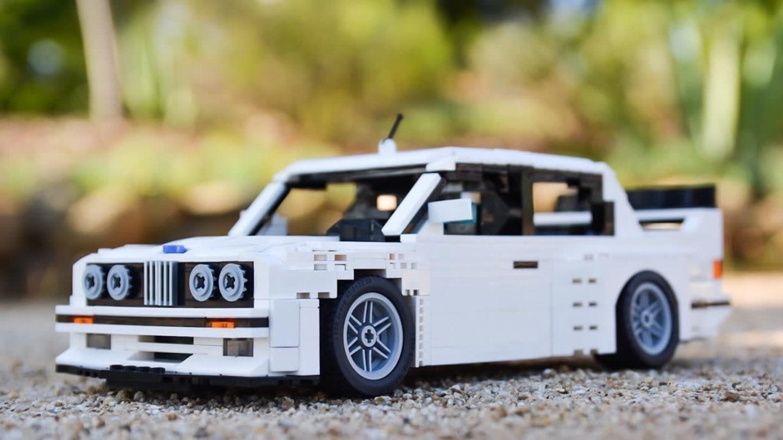 BMW M3 z Lega zepředu - legendární výrobce stavebnice myslel i na na znáček BMW.