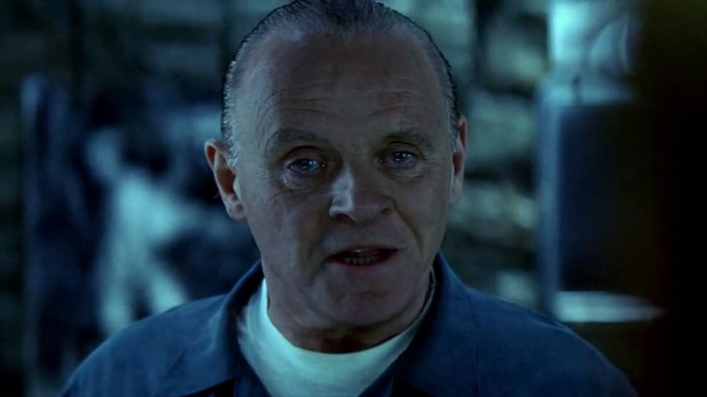 13) Červený drak (2002) - Will Graham, bývalý agent FBI se musí vrátit do terénu, aby vyšetřil sérii brutálních vražd. Aby se mu to ale povedlo, bude muset nejprve vyhledat pomoc svého bývalého protivníka, doktora Lectera.