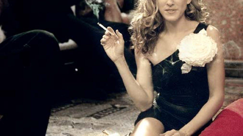 Carrie v těchto šatech prožila lesbický polibek s Alanis Morrissete