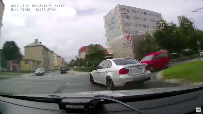 Když chcete ujet policii, měli byste něco umět.