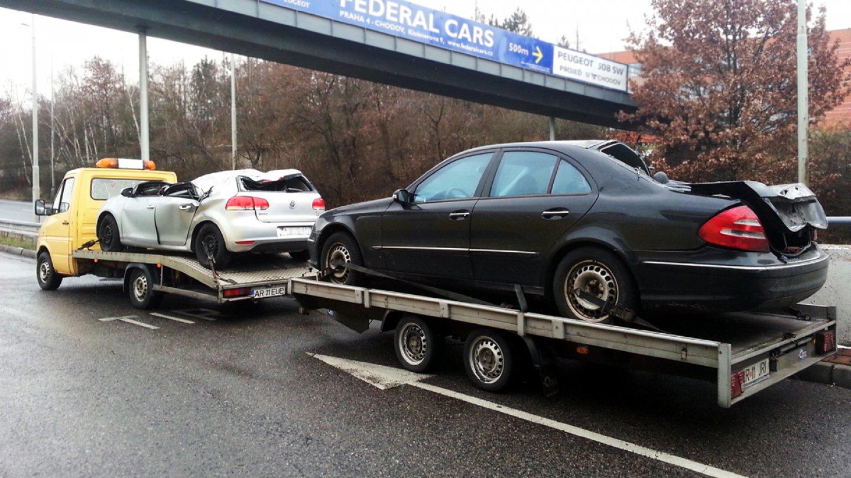 Auta po vážné nehodě