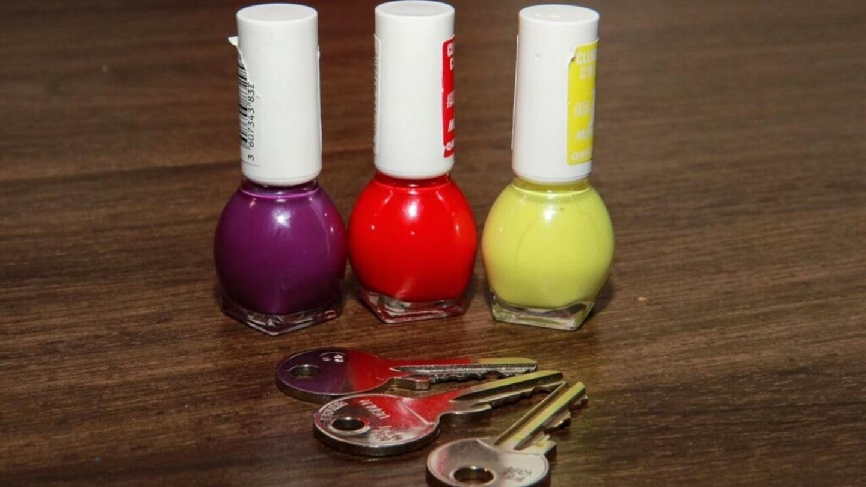 Vychytávky Ládi Hrušky - Klíče označené lakem
