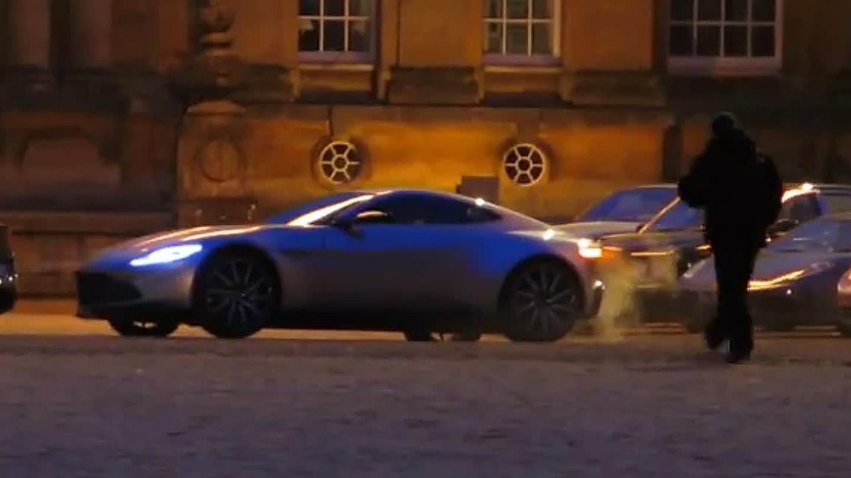 Aston Martin DB10 z natáčení