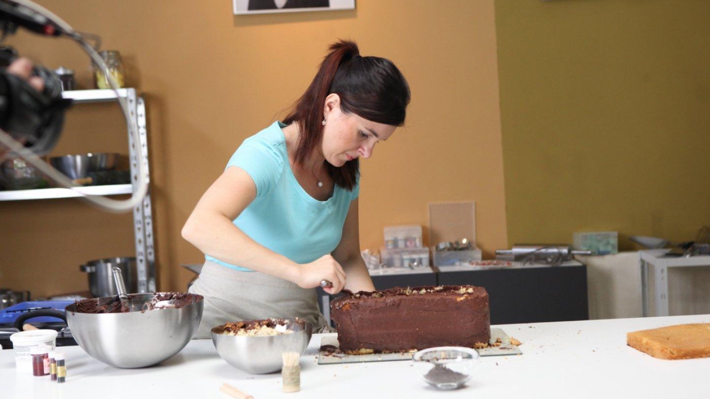 Markéta připravuje pekáček