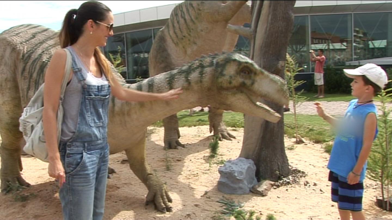 Libuška Vojtková vzala za Čtyřlístkem syna Matyáše - jenže tomu se líbili víc dinosauři
