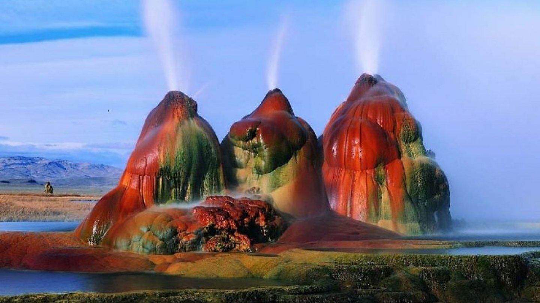 Gejzír Fly je gejzír v Severní Americe, který se nachází na vysoké plošině sousedící s pouští Black Rock Desert v severozápadní části Nevady v USA.