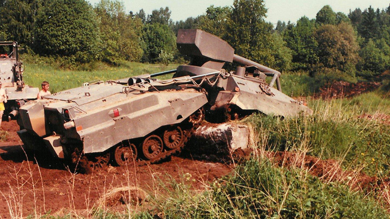 Švédská tanková bizarnost - UDES-XX-20 v terénu