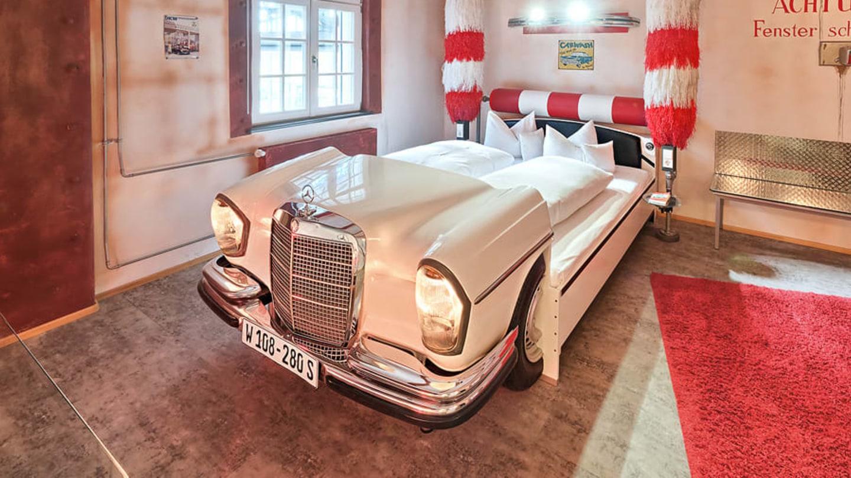 Stuttgart je město automobilismu zaslíbené, sídlí zde Mercedes i Porsche