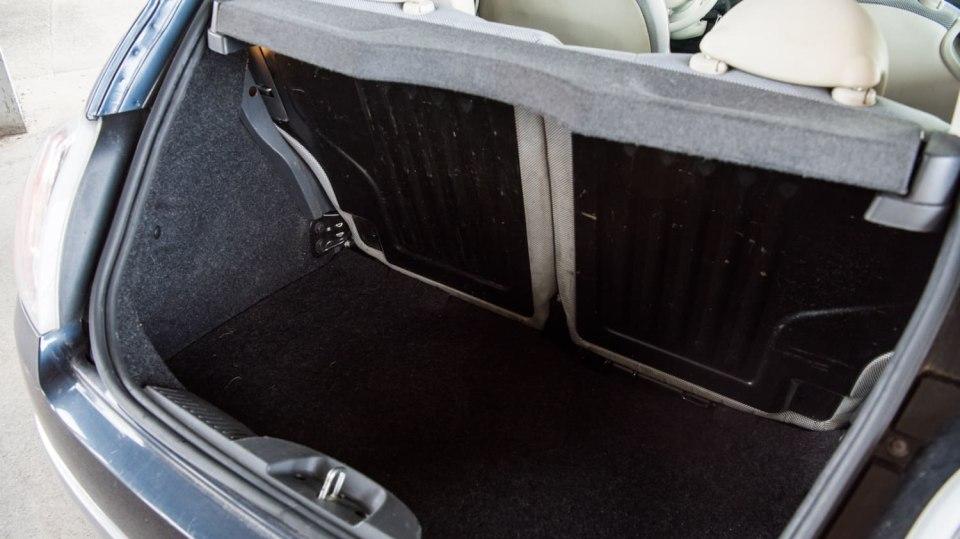 Fiat 500 1.4 16v interiér 8