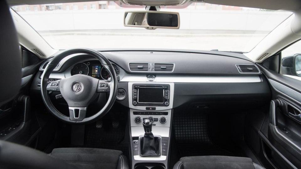 Ojetý Volkswagen CC interiér 6