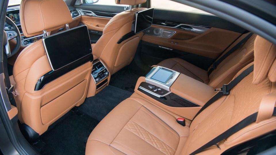 BMW 750Ld je limuzína za 4 miliony 6
