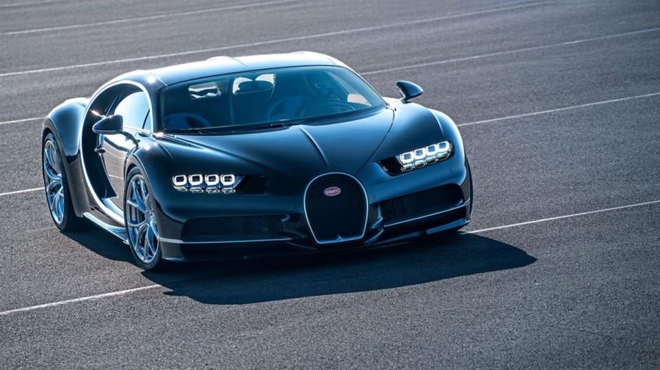 Bugatti Chiron ve skutečném světě - Obrázek 14