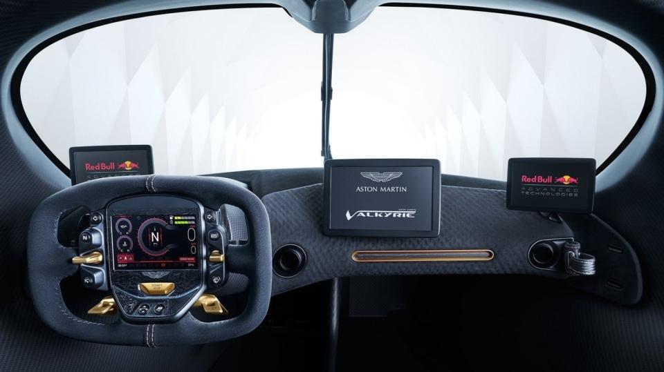 Aston Martin Valkyrie 16