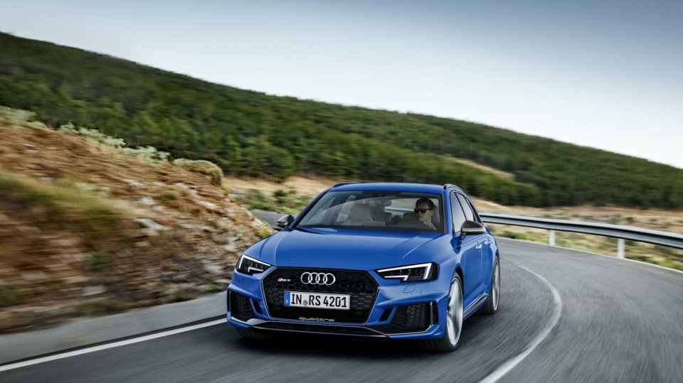 Audi RS4 Avant 10