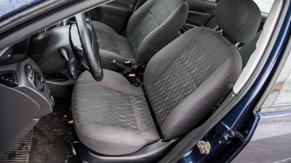 Ford Focus Combi 1.8 TDCI interiér 5