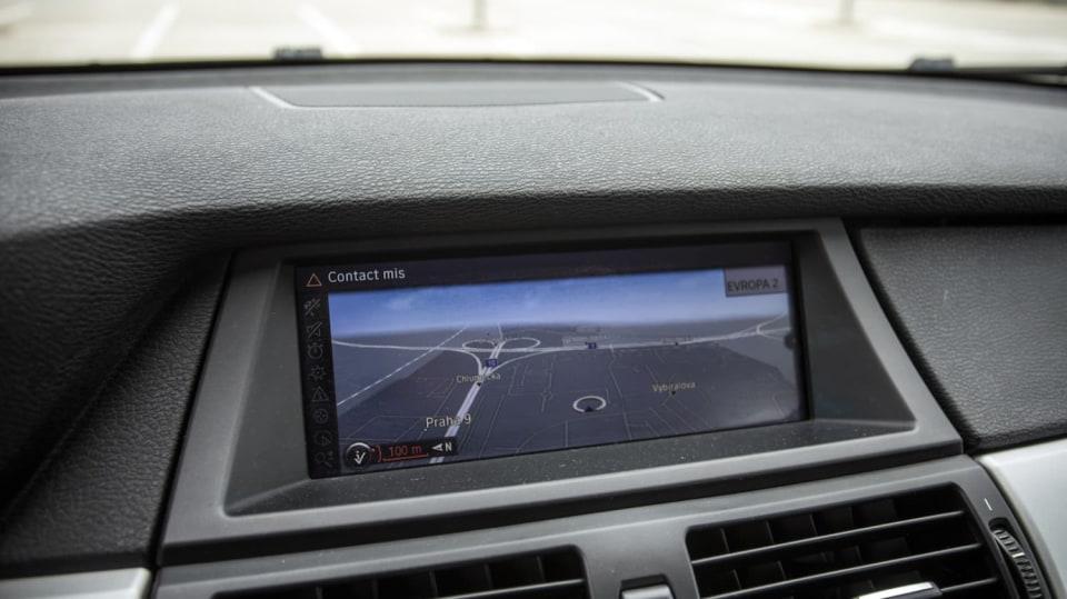 BMW X5 xDríve30d interiér 3