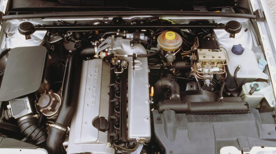 Audi S2 Avant: Z objemu 2226 ccm dávalo Audi S2 Avant 169 kW