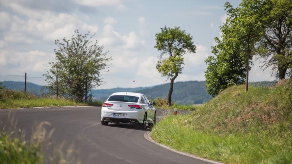 Opel Insignia Grand Sport 2.0 Turbo 4x4 jízda 10