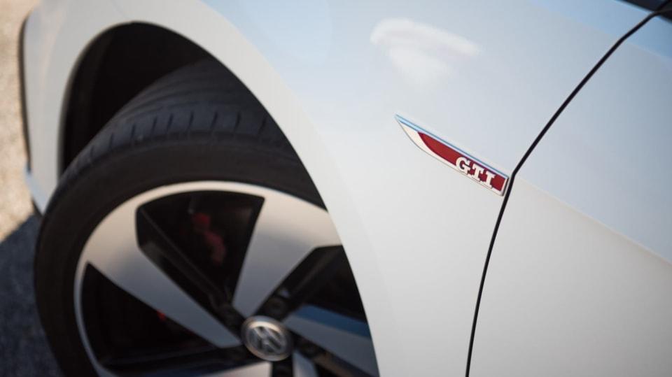 Volkswagen Golf GTI exteriér 2