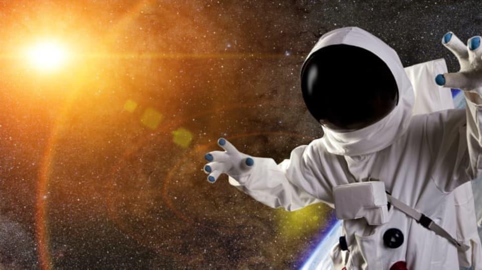 Astronaut a Slunce