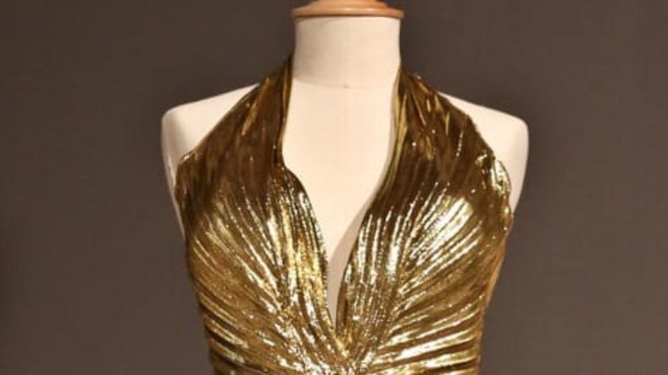 Tyhle šaty na sobě měla Marilyn Monroe ve filmu Muži mají radši blondýnky