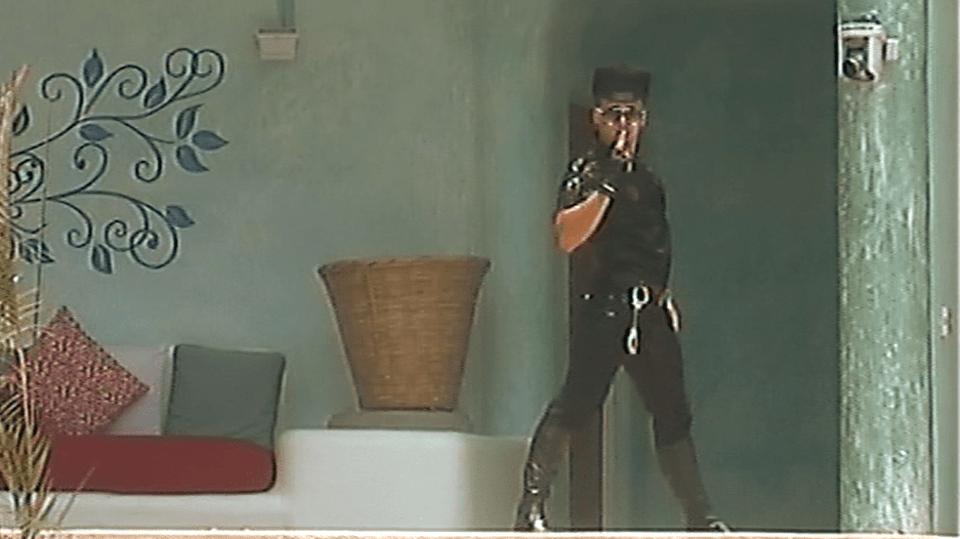 Žeňa coby sexy policajt