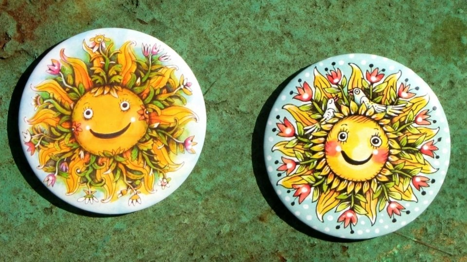 Autorské magnety s jarními sluníčky