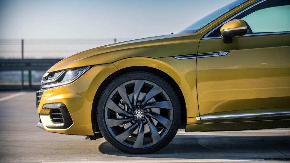 Volkswagen Arteon R-Line 2.0 TSI exteriér 1