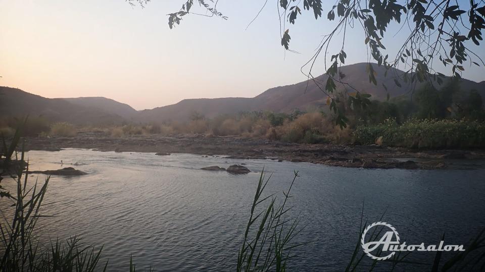 Za touto řekou už je Angola