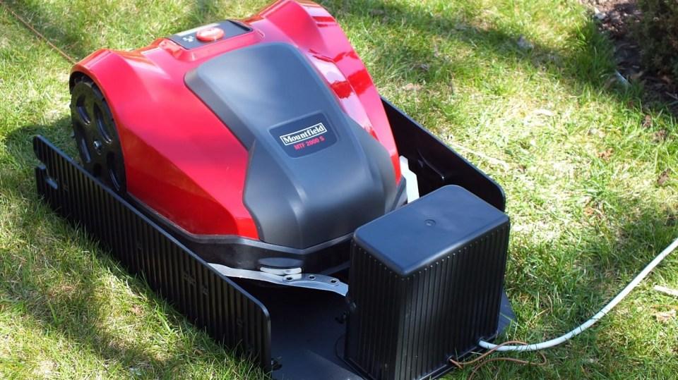 Robotická sekačka MTF 2000S je ksekání vždy připravena
